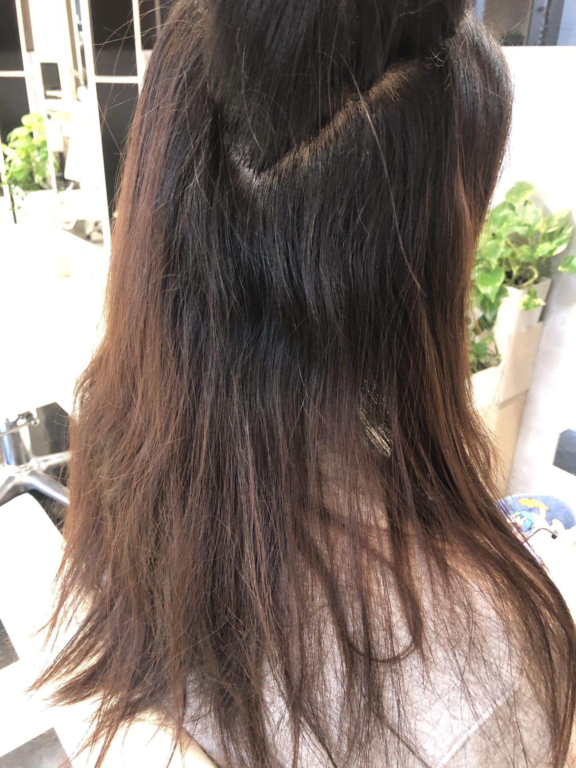 くせ毛に悩む台湾の女の子