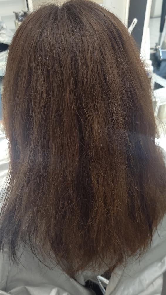 ヘアアイロンとブリーチによるダメージ毛に縮毛矯正
