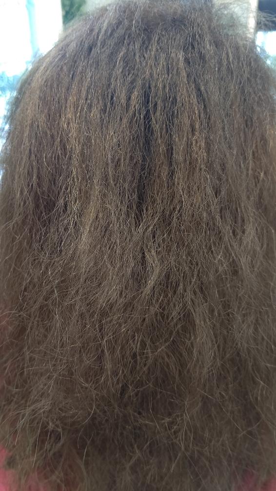 ビビリ毛を修復しつつ縮毛矯正